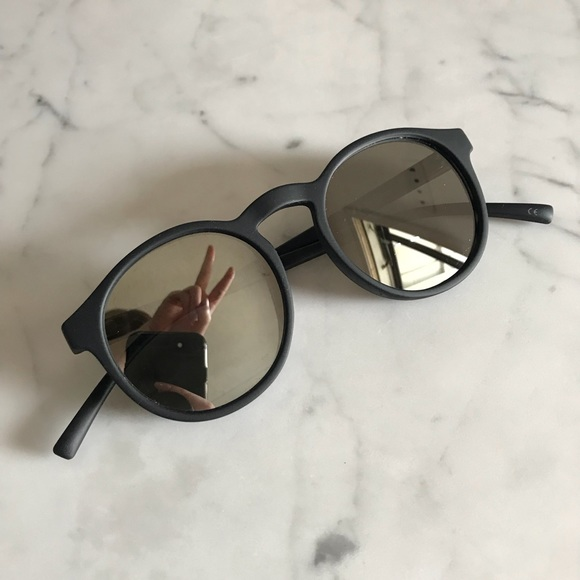 a6fc31ca773 Le Specs Accessories - Le Specs Cubanos Sunglasses in Matte Black